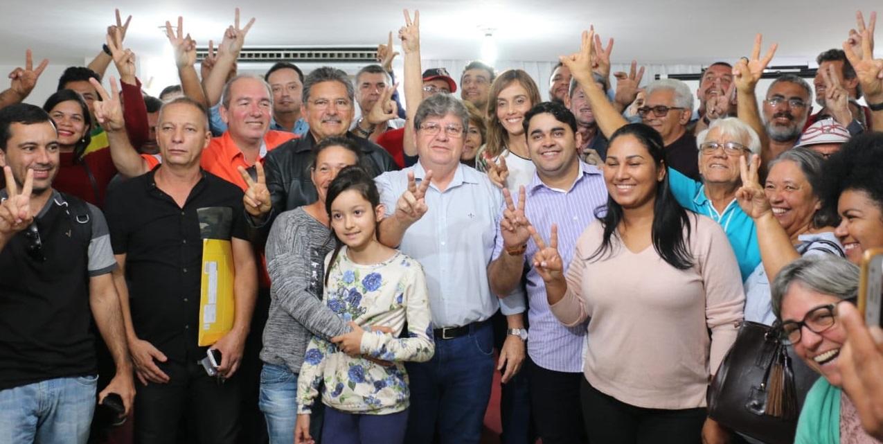 Em CG, João debate com representantes da agricultura familiar políticas de incentivo para o setor