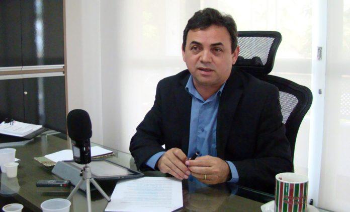 Na Arapuan, reitor da UEPB confessa publicamente 'calote' de R$ 5 milhões na PBPrev; ouça