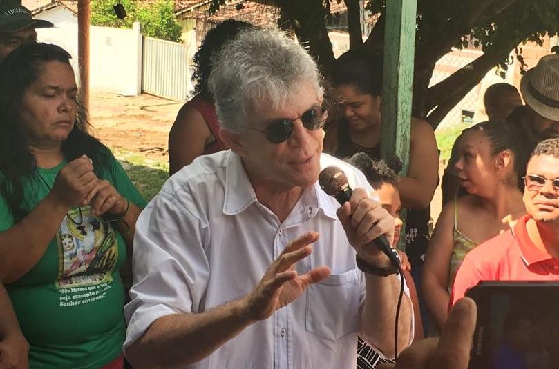 """Morador faz apelo a RC para pavimentar rua na Penha que a """"PMJP esqueceu""""; veja"""
