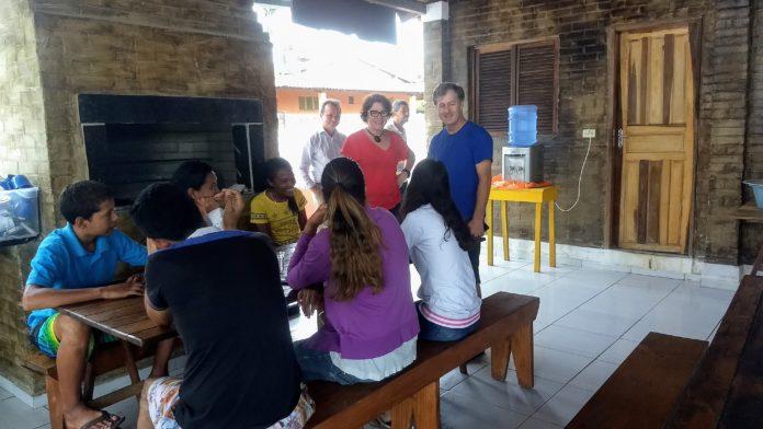 Prefeita de Conde visita abrigo que recebeu 45 venezuelanos e reforça assistência a imigrantes