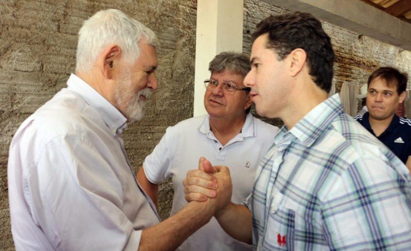 Luiz Couto se integra à comitiva de João e Veneziano no Cariri e sinaliza disputa ao Senado