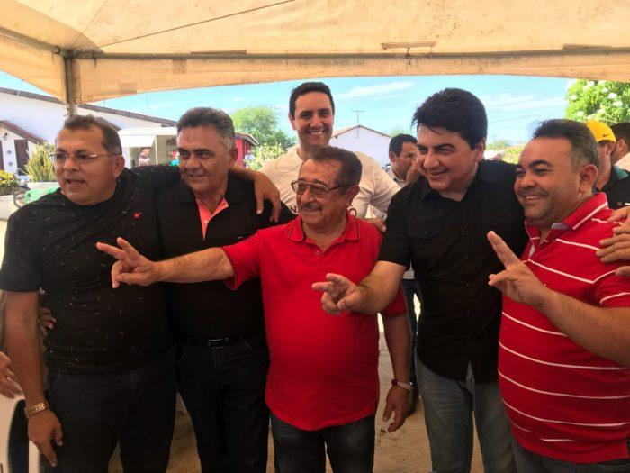 José Maranhão prestigia aniversário de correligionário em São Bento