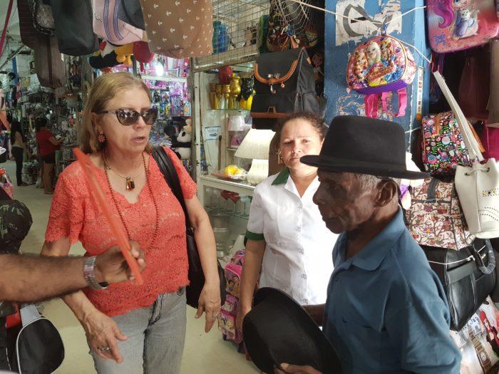 Dia dos pais: promotora alerta para o cuidado com os idosos nos abrigos
