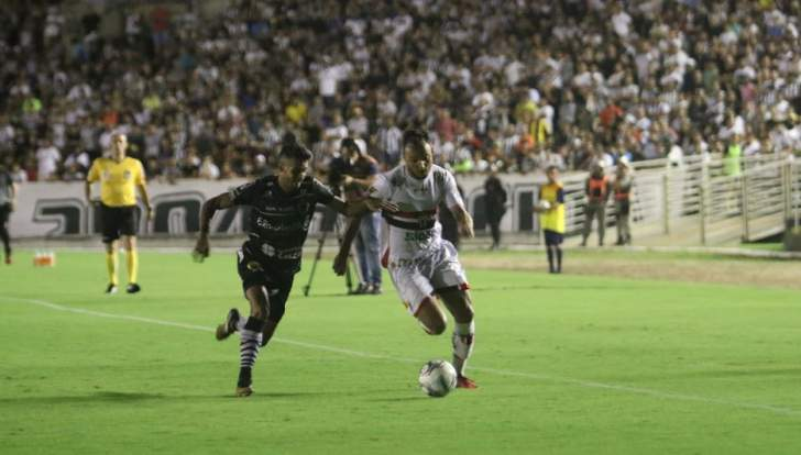 Botafogo-PB toma gol nos acréscimos e perde nos pênaltis chance de subir para a Série B