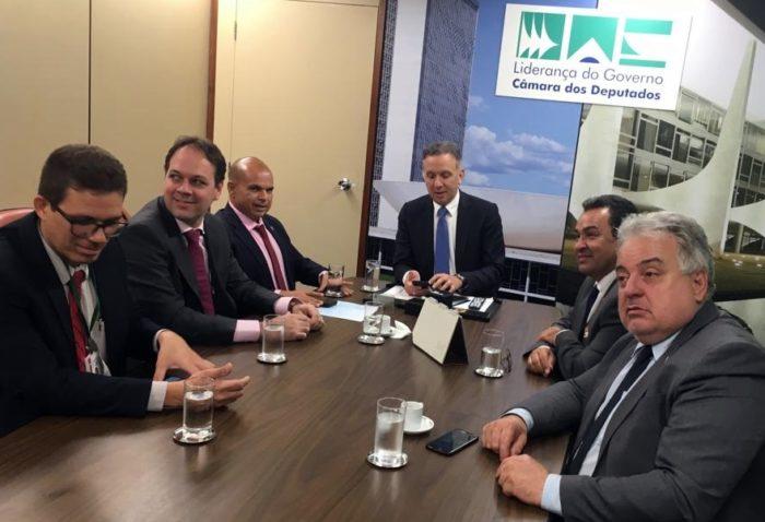Aguinaldo recebe representantes da PRF em Brasília e consegue aprovação da MP 837