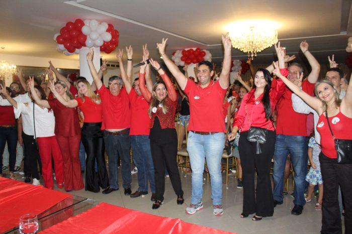 Raíssa Lacerda comanda festa em JP para apoiar Paulino, Benjamin Maranhão e Jullys Roberto