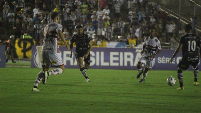 Botafogo-PB vence o xará de São Paulo e abre vantagem em decisão pelo acesso à Série B