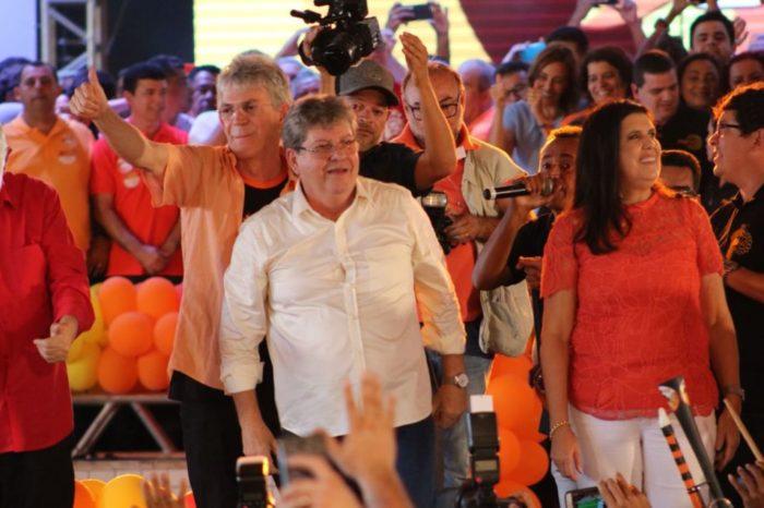 """Agora candidato, João se diz """"extremamente feliz"""" com chapa e aprova Lígia na vice; ouça"""