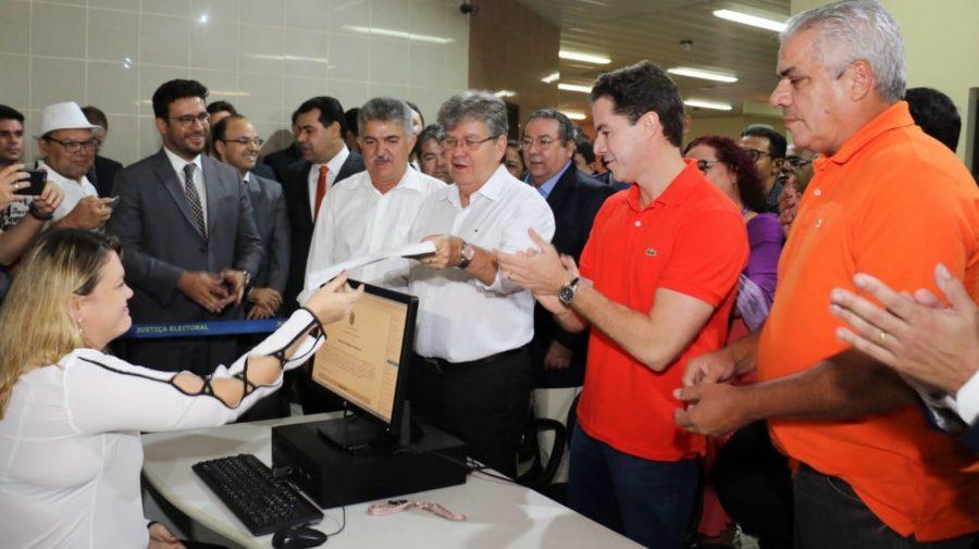 Ao lado de Veneziano, João registra candidatura no TRE e defende campanha eleitoral propositiva