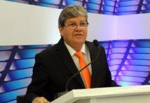 Em debate na TV Master, João apresenta plano de ligações regionais com construção de novas estradas na PB
