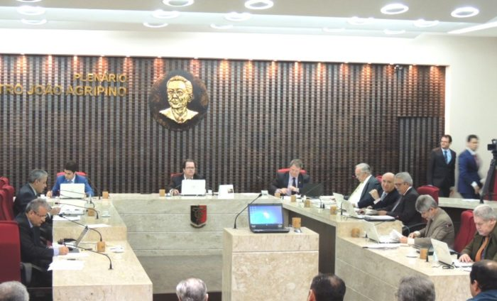 TCE-PB acata denúncia contra prefeito de Curral Velho por irregularidades em pregão