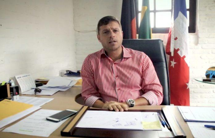 Prefeito de Cabedelo anuncia extinção de 200 cargos comissionados e funções gratificadas