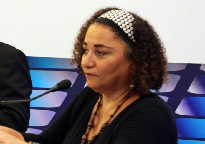 No debate da TV Master, Rama Dantas acusa oponentes de prometerem
