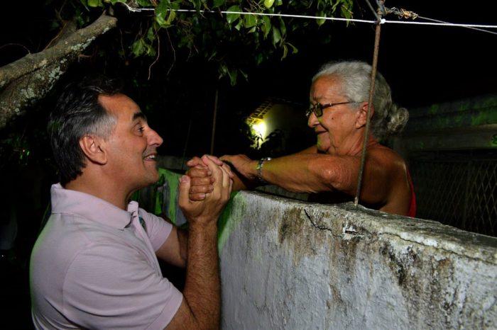 """Durante caminhada, Luciano diz que Lucélio """"vai unir a PB e melhorar qualidade de vida do povo"""""""
