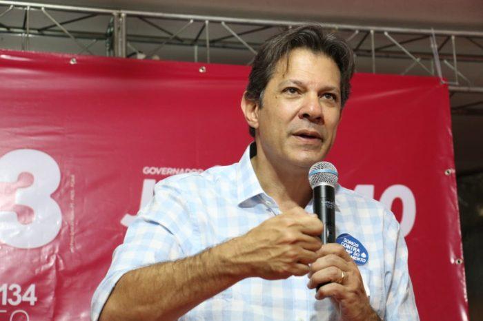 """Em JP, Haddad diz que """"se Brasil não afrontar o direito internacional"""", Lula será candidato; ouça"""