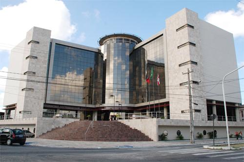 Homem é condenado a 17 anos de prisão por homicídio de namorada em JP