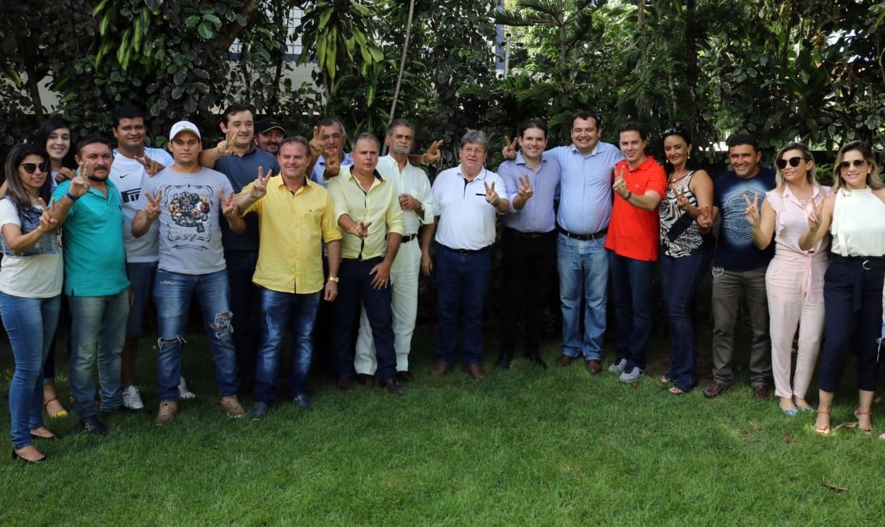 Hugo Motta e Nabor Wanderley reúnem lideranças e reforçam apoio do PRB a João Azevêdo
