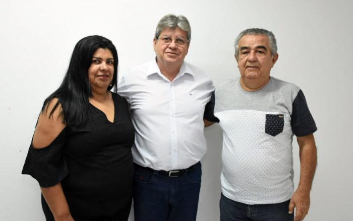 Mais adesões: presidente do MDB e ex-prefeita de Mari anunciam apoio à candidatura de João
