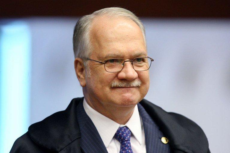 Ministro do STF autoriza abertura de inquérito contra deputado paraibano e mais 7