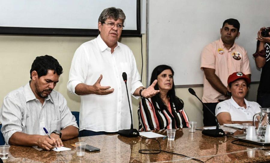 Em CG, João reafirma compromisso de não privatizar a Cagepa e destaca investimentos na TransParaíba