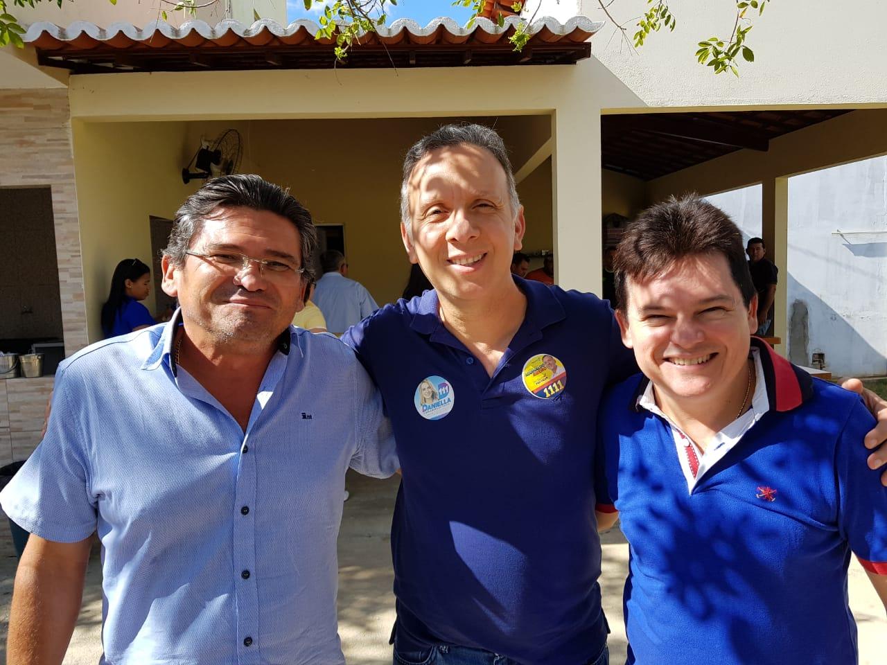 Aguinaldo Ribeiro recebe apoio de lideranças de São José do Bonfim