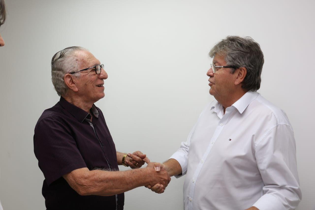 Mais reforços: ex-prefeito e lideranças políticas de Itaporanga aderem à candidatura de João