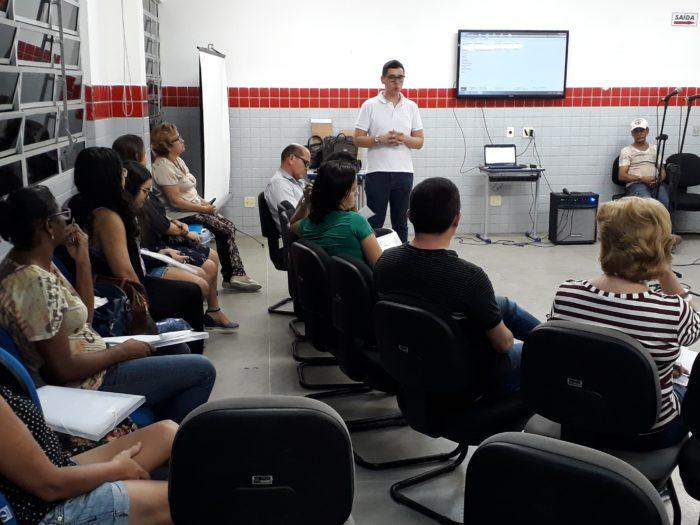 Alunos da rede municipal de JP participam de formação continuada de Literatura de Cordel