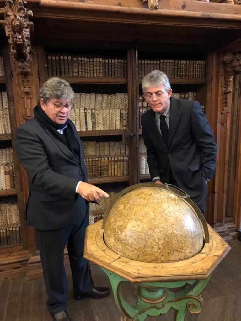 Na Espanha, RC e João firmam parceria para expansão do Gira Mundo e do Prima na PB