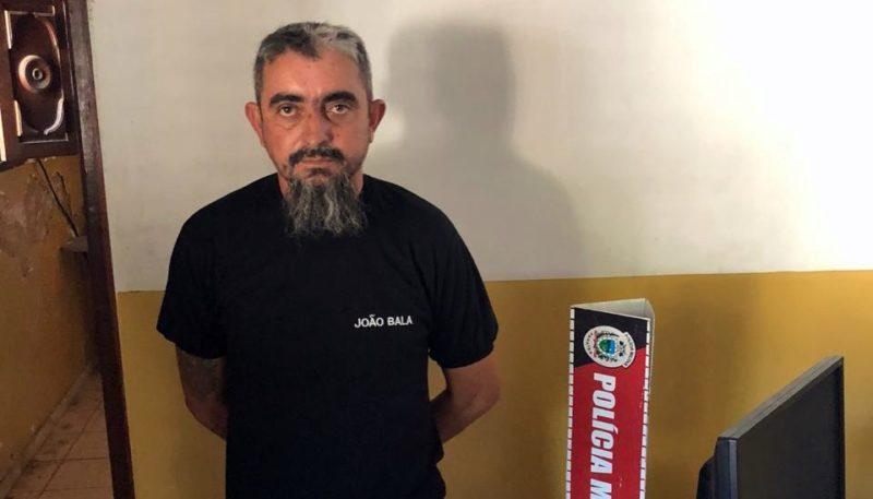 Apologia ao crime: coveiro grava vídeo fumando maconha e é detido pela PM em Sapé; assista