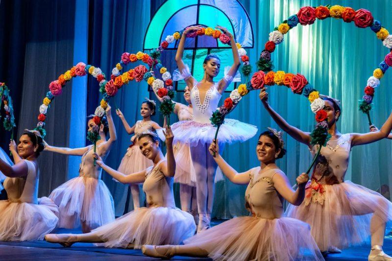 Fique atento! Escola de Dança do Teatro Santa Roza começa a inscrever novos alunos
