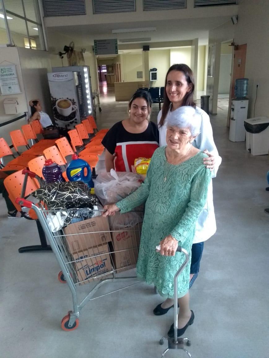 Idosa de 101 anos que venceu o câncer troca presentes de aniversário por doações para o Hospital Laureano