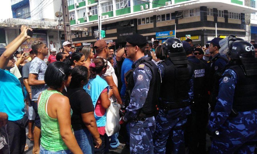 Associação promete reagir à retirada de ambulantes do Centro e manda recado para Cartaxo; ouça