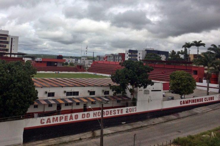 Campinense estuda terceirizar gestão do futebol para 'driblar' a crise financeira