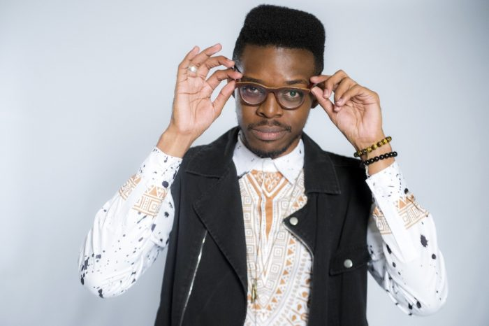 Banda Mel e Kevin Ndjana são atrações do bloco Tambiá Folia neste sábado