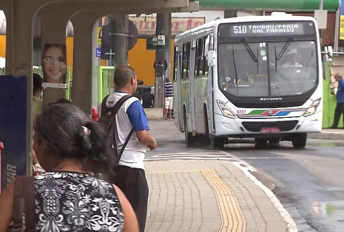Após 'lambança' de Cartaxo, empresas de ônibus podem ter que devolver dinheiro a passageiros