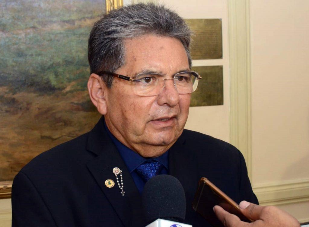 Adriano Galdino destaca lei que homenageia vítimas da Ditadura na PB