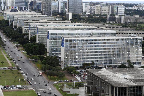 Governo extingue 21 mil cargos, funções e gratificações e prevê economia de R$ 195 milhões