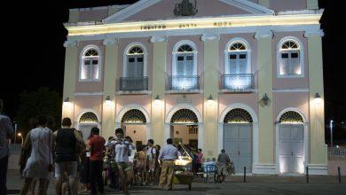 Hip-hop, circo e 'teatro político' são atração nesta sexta no Santa Roza