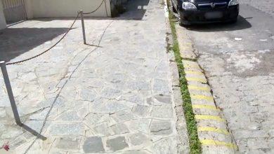 Comerciantes de JP são autuados por uso de calçadas como espaço privado
