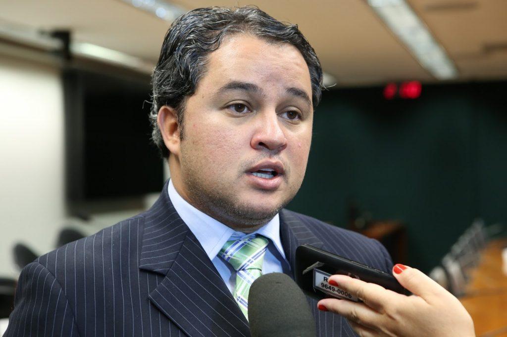 Efraim pede ao Ministério da Saúde mais recursos municípios paraibanos