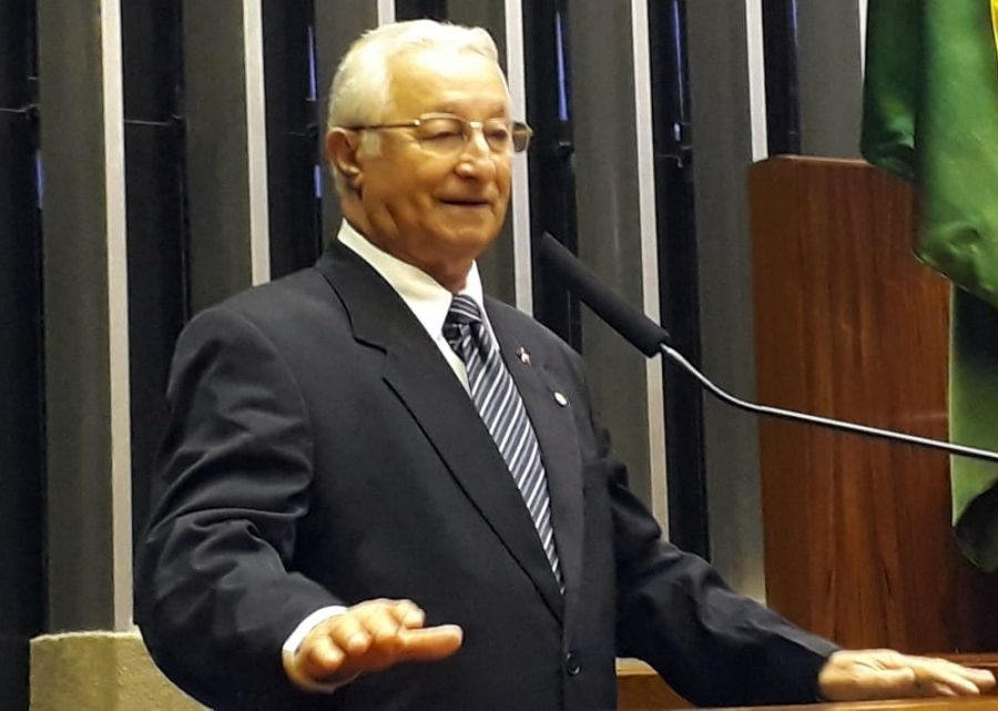Deputado paraibano protesta contra Bolsonaro por extinção de conselhos