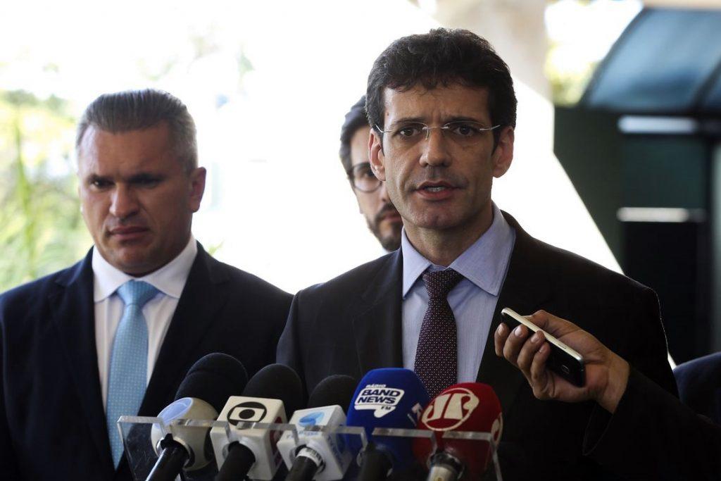 PF vê participação de deputado do PSL em esquema de candidaturas laranjas