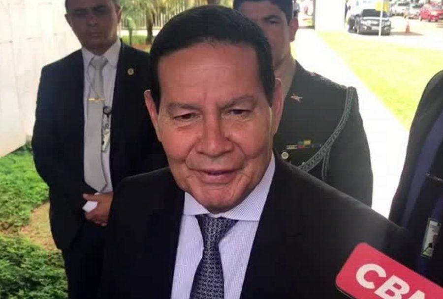 Mourão: divulgação de vídeo pró-golpe de 1964 foi decisão de Bolsonaro