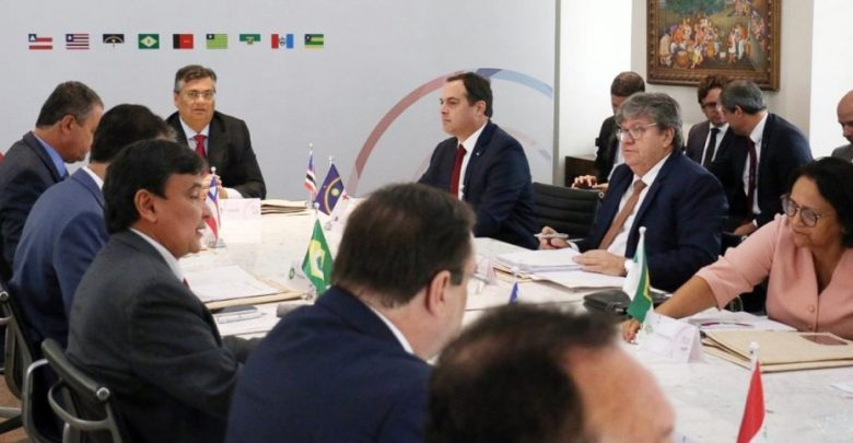 João Azevêdo confirma presença em reunião com Bolsonaro nesta 6ª feira