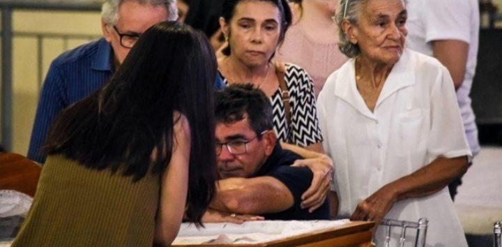 Acompanhe as imagens do velório do cantor Gabriel Diniz em João Pessoa