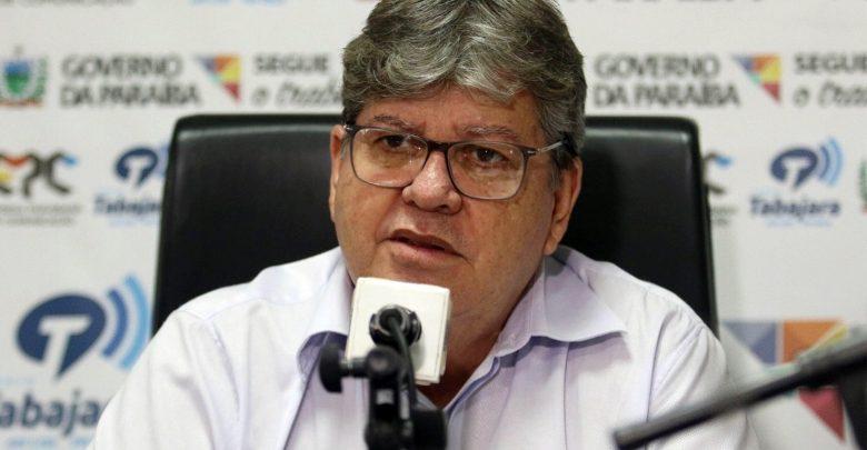 João sanciona lei que institui PCCR dos agentes penitenciários na Paraíba