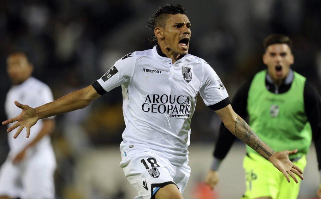 Clube chinês tenta contratar ex-atacante do Botafogo-PB por R$ 87 milhões