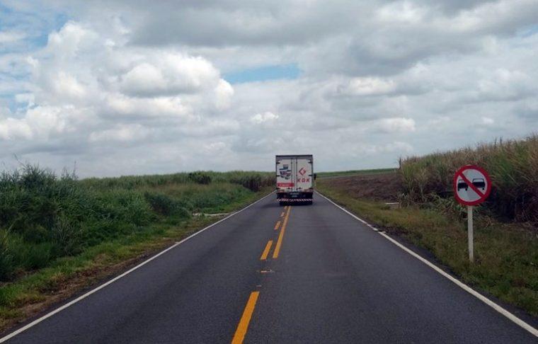João Azevêdo entrega restauração da estrada que liga BR-101 a Lucena