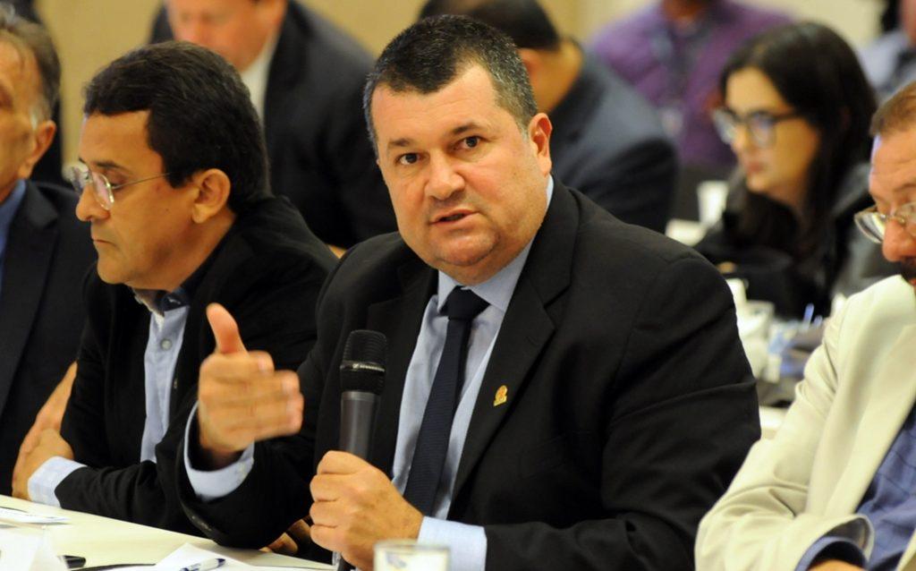 Repasse do FPM cai e prefeitos paraibanos têm dificuldade de pagar folha