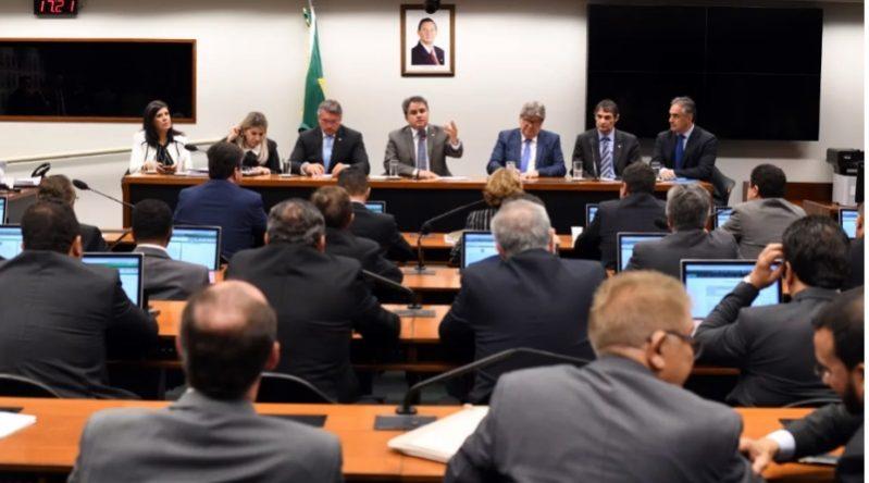 Efraim Filho destaca coesão da bancada federal na busca por investimentos para Paraíba
